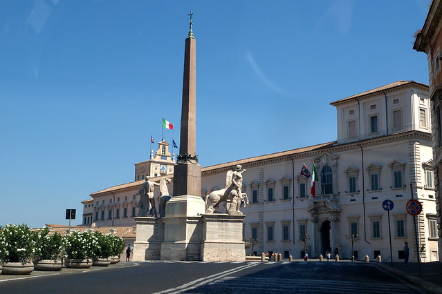 Quirinale Palace and Castor and Pollux statue