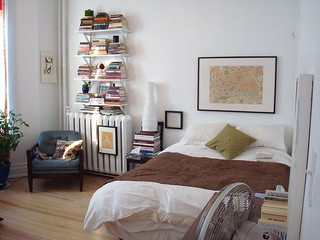 bed and books   by jawcey