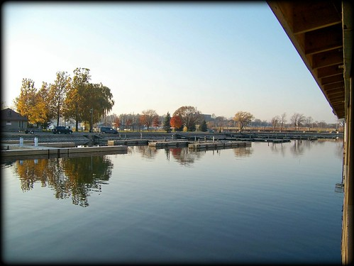 mypics belleville ontario canada victoriaharbour bayofquinte quinteregion quintearea quinte theboathouserestaurant theboathouse bellevilleontario calm reflection reflections