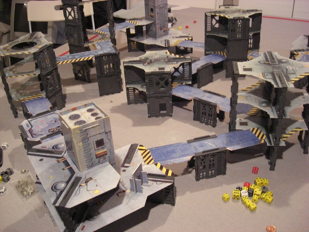 The old necromunda terrain from 95 | The battlefield set up