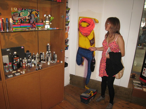 Eva talking with an Os Gemeos graphitti writer | by utomjording