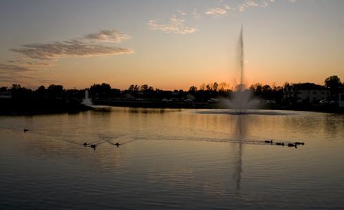 sunset reflection water virginia williamsburg wyndham gettysubmit 200809220049