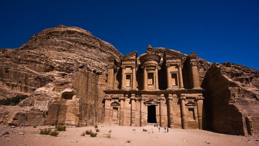 Petra : al-Deir by mouzhik