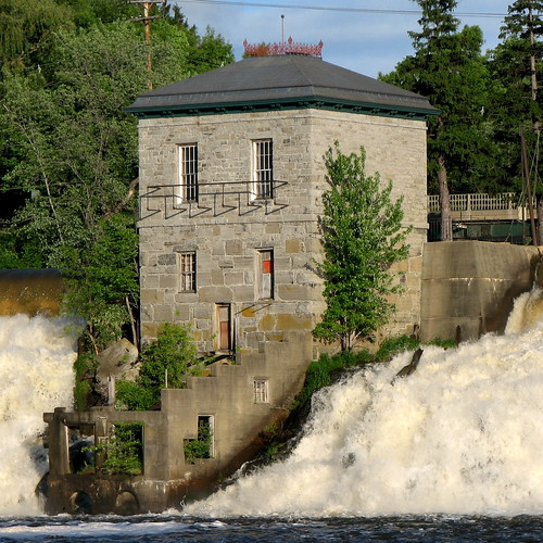 usa water square vermont falls waterfalls sq pumphouse vt 1874 waterpower vergennes hiproof dressedstone 1story italianatestyle addisoncounty ironcresting origamidon donshall bellcast beltcourse vergennesvermontusa labellintels