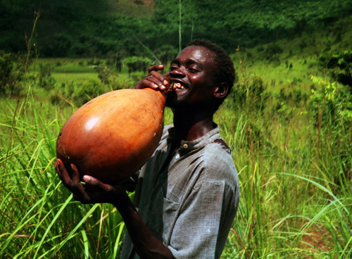Refreshing palm wine | by Nick Hobgood - Amphibious photographer