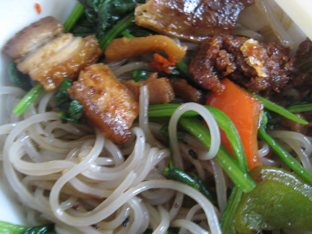 potato noodles with pork and spinach