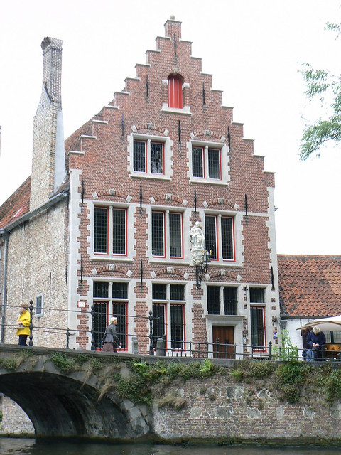 House by canal, Bruges