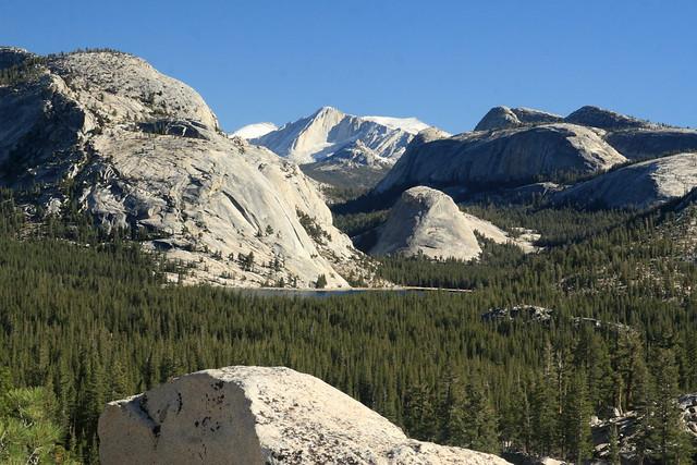 Tenaya Lake with granite peaks on the Tiaga Pass Road in Yosemite
