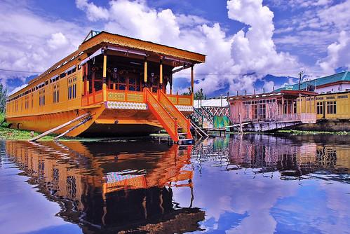 Dal Lake | by shahbasharat