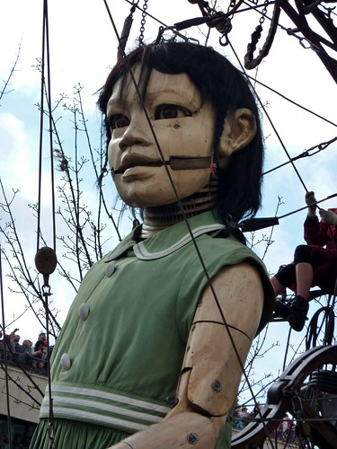 Little Girl, Giants (21/04/2012)