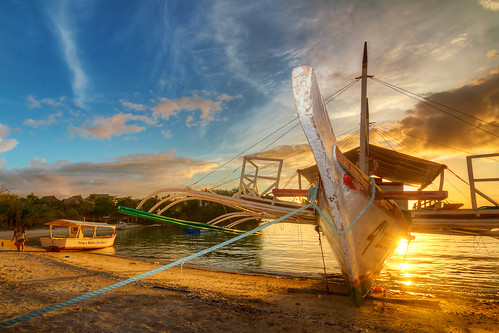 vacation beach boats sand view philippines views cebu ultrawide hdr malapascua malditos tokina1116 allansoul