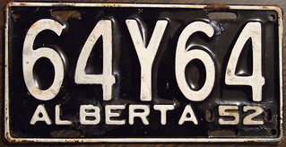 """ALBERTA 1952 passenger plate, Large """"Y"""" in the third position"""