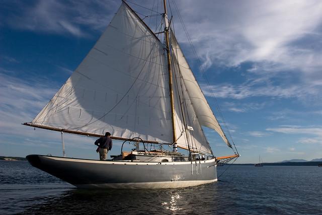 Sailing a gaff rig