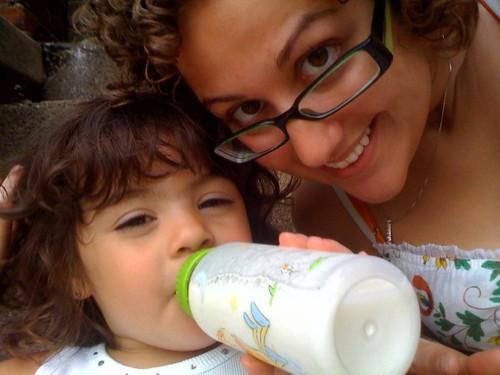 194/559: Aunt & niece.