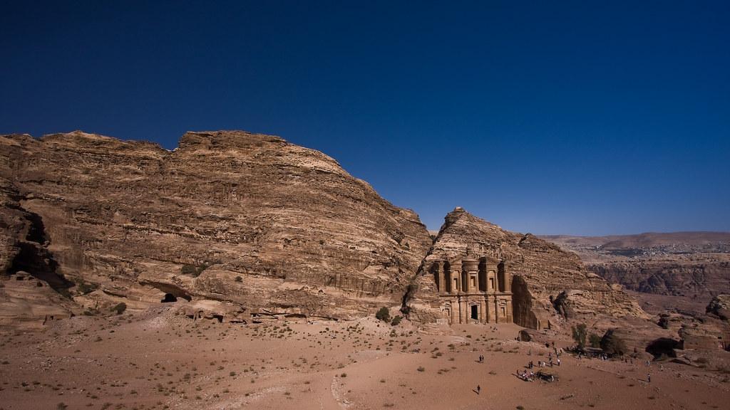 Petra : esplanade of al-Deir by mouzhik