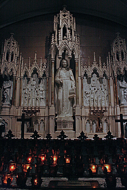St. Patrick's Cathedral, side chapel