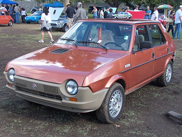 Fiat Strada 2.jpg