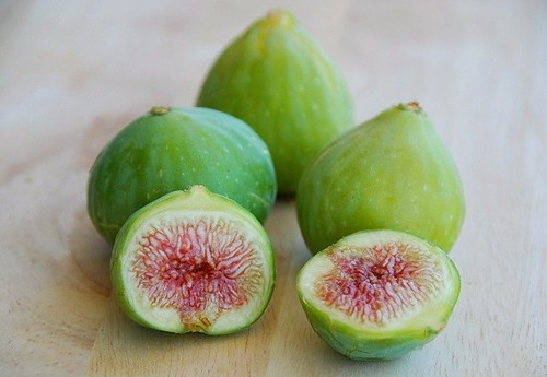 locally grown green figs | by Food Blogga
