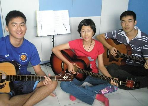 Guitar lessons Singapore Jia Lin Jin Gang