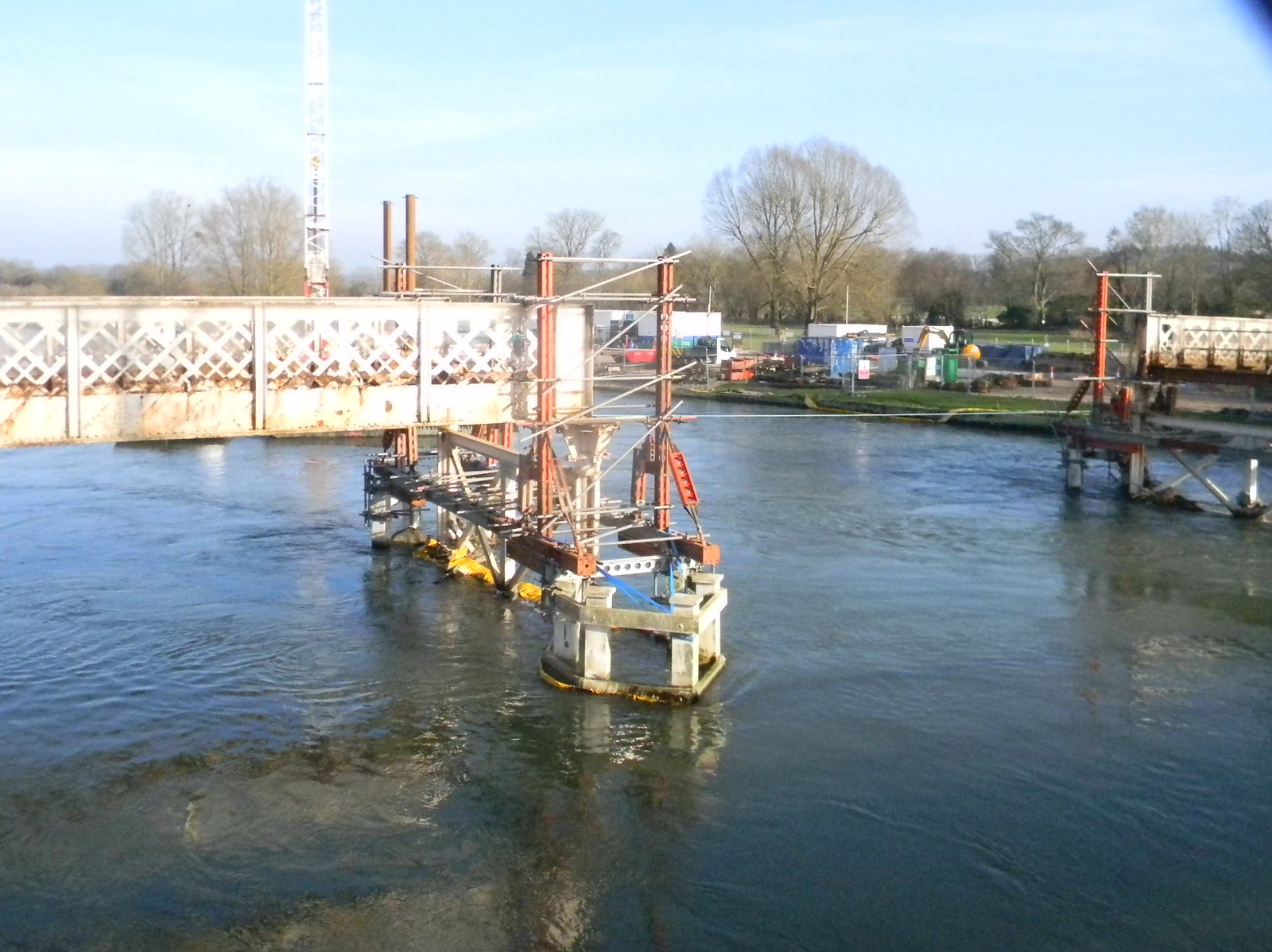 Whitchurch Toll Bridge Under repair Pangbourne Circular