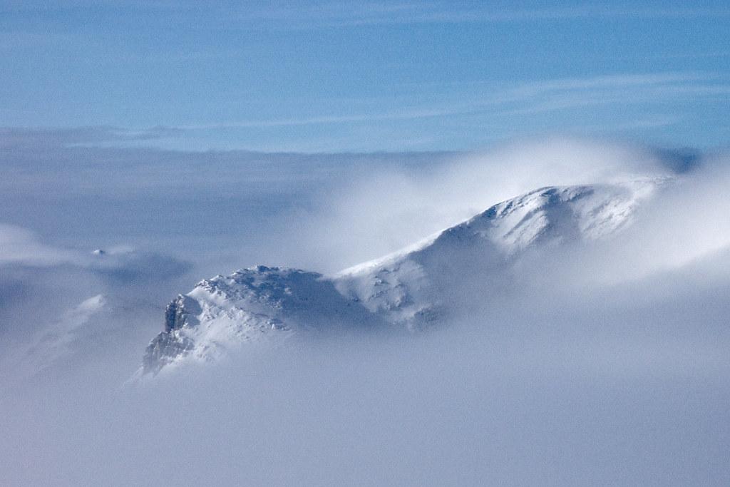 Ciemniak, jak sama nazwa wskazuje / Blockhead Mountain