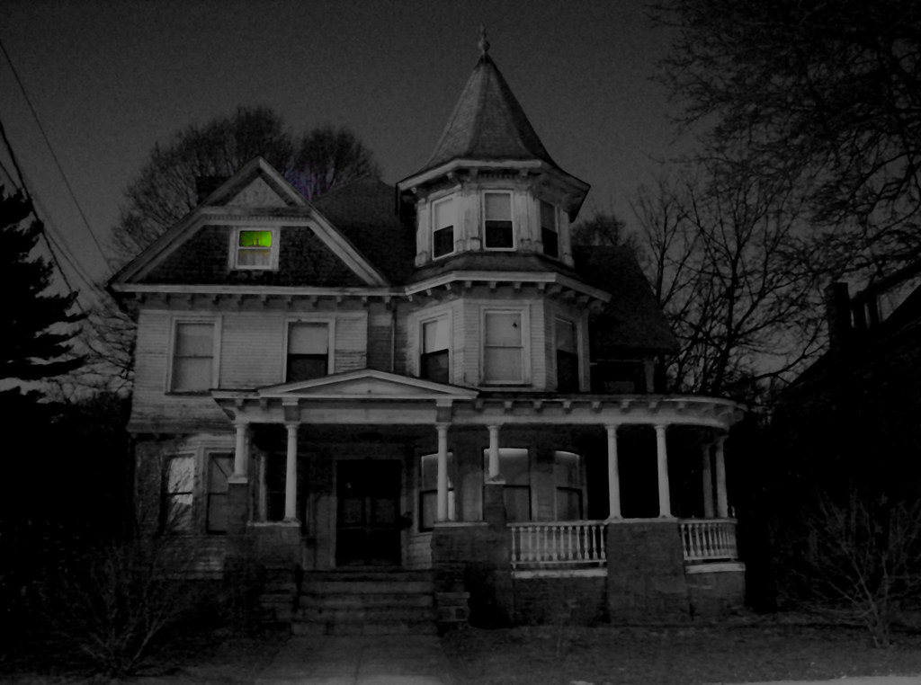 Houses that are creepy in the dark, 1. The Addams Family M ...
