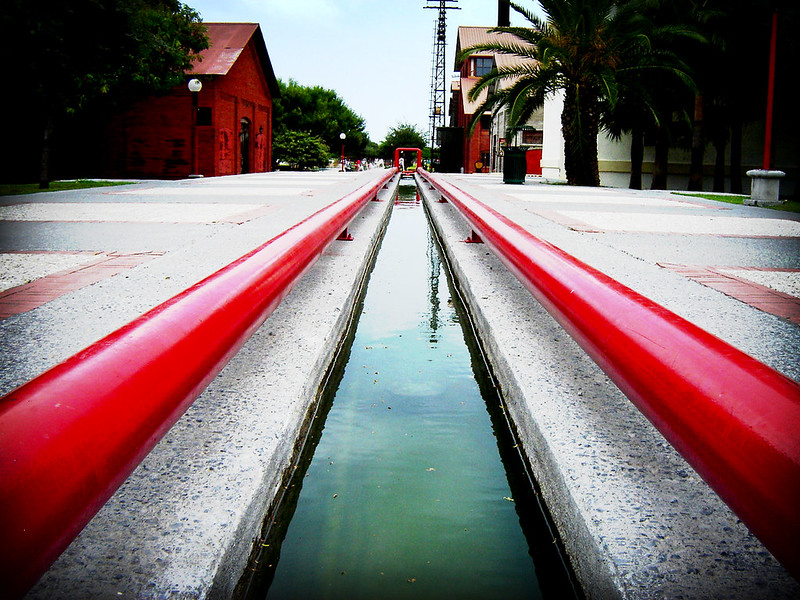 ::red lines::