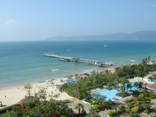 Sanya (Hainan Island), China - Holiday Inn Resort Yalong Bay   by Marc van der Chijs