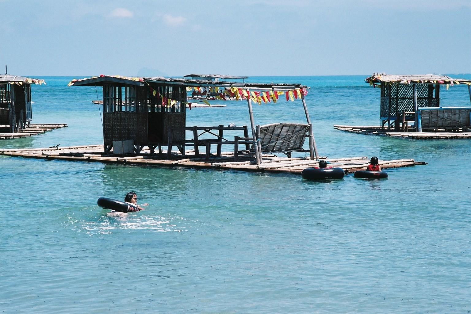 Balsa @ Matabungkay Beach