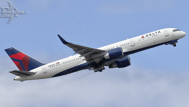 Delta Air Lines | Boeing | 757-251 | N556NW | F/N:5656 | S/N:33392 | L/N:1013