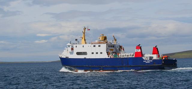 MV EARL THORFINN leaving Loth Pier