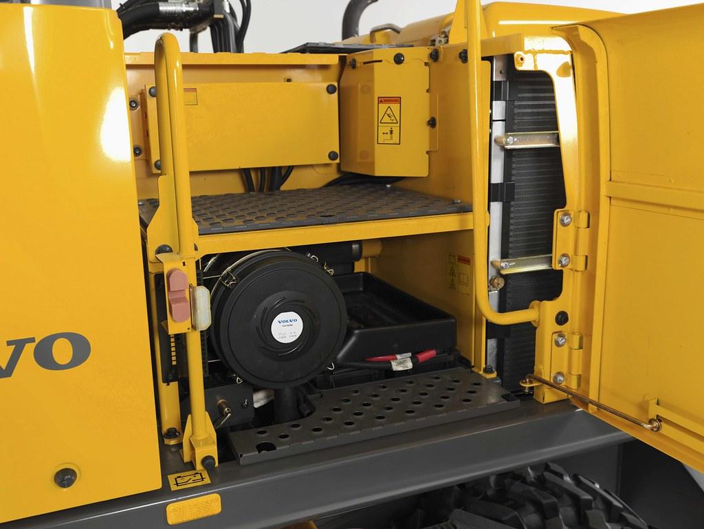 Volvo EW230C wheeled excavator service access steps | Flickr