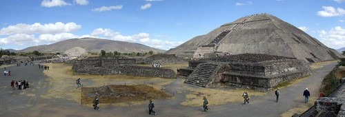 plaza autostitch panorama sun moon sol stairs mexico temple pyramid teotihuacan steps platform courtyard panoramic luna stairway altar northeast templo escaleras plazadelsol piramide teotihuacán piramidedelsol pyramidofthesun platforma pyramidofthemoon piramidedelaluna suncomplex plazaofthesun complejodelsol