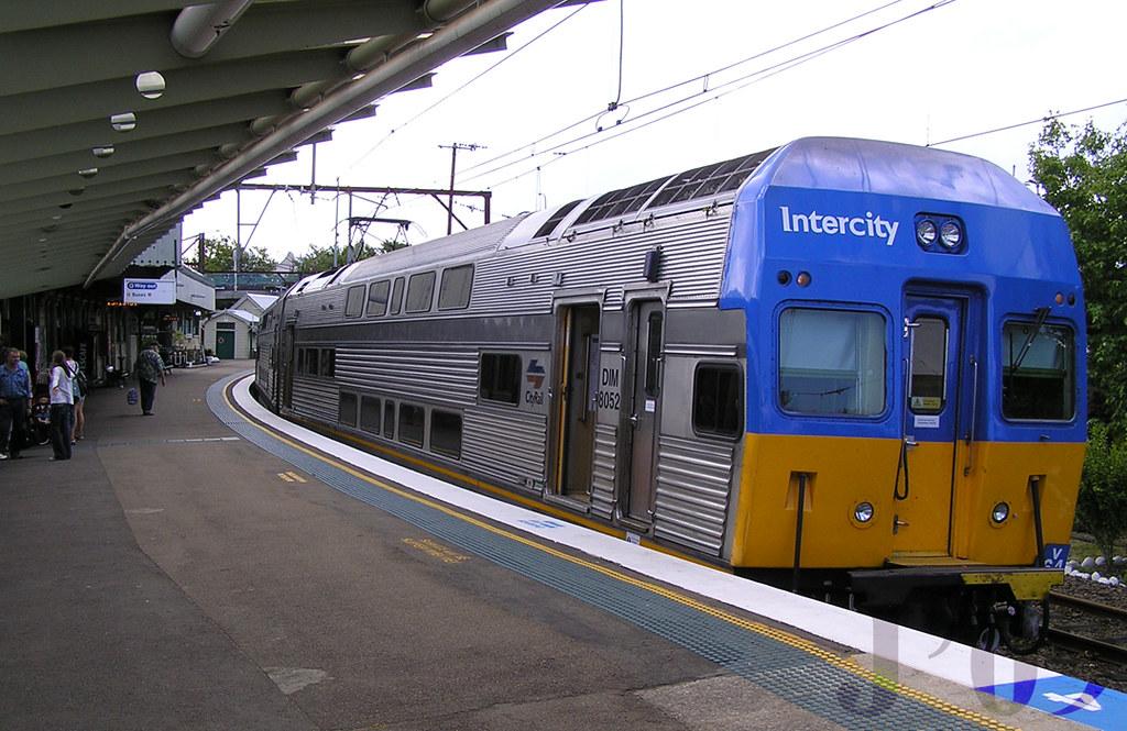 DIM8052 sits @Katoomba ~27.11.08 by James 460
