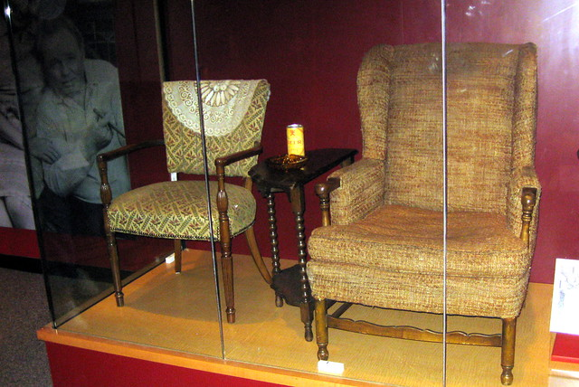 Washington DC: National Museum of American History - The Bunkers' Chairs