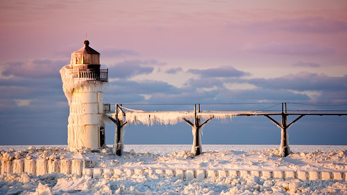 winter light lighthouse house lake snow ice saint evening pier flickr dusk michigan clay icicle catwalk josephs willard sait omot jonathanrobsonphotographycom vosplusbellesphotos viapixelpipe