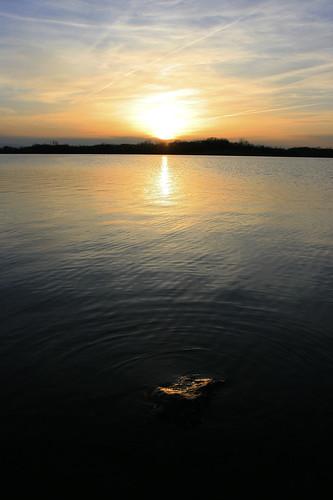 statepark sunset reflection water rock iowa contrails palo cedarrapids pleasantcreek
