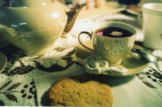 Cookies and Tea | by Alejandro Hernandez.