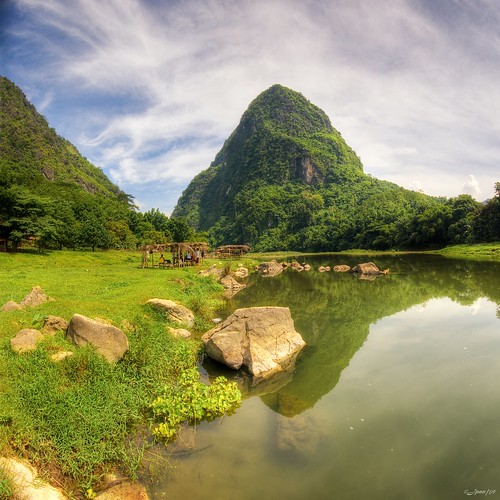 blue sky cloud mountain reflection green nature water grass rock stone clouds photoshop canon landscape fun rocks skies dynamic dam philippines hill wide cottage sigma wideangle bamboo huts rizal splash range 1020 hdr wawa montalban ih lightroom waterscape uwa photomatix 400d lirodon