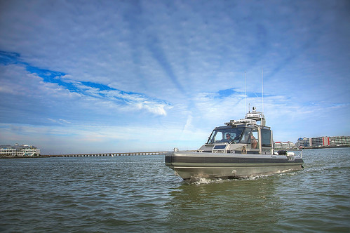 Photo of NRP patrol boat in action