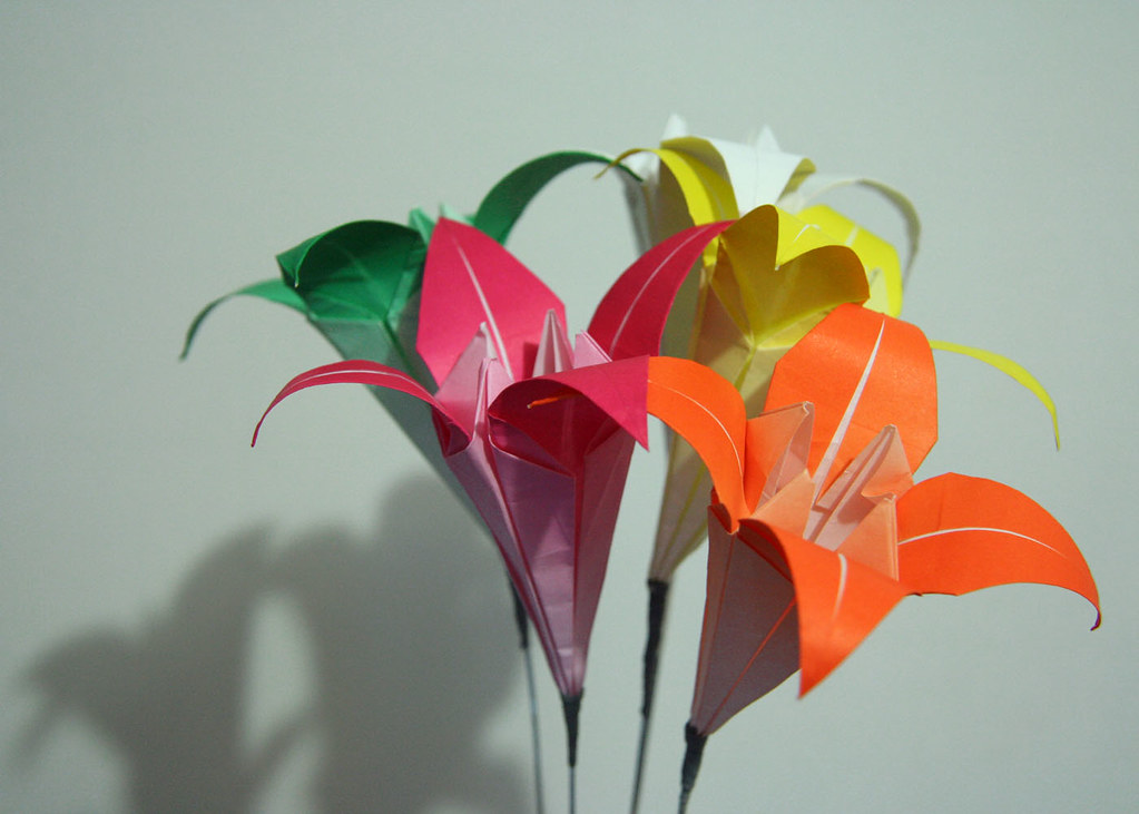 Origami Lily Flower Tutorial - How to make an Origami Lily Flower ... | 731x1023