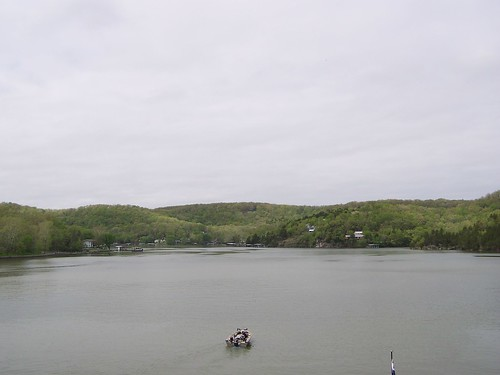 lakeoftheozarks thundermountainpark lakeoftheozark lake lakes missouri mo camdencounty boat boating water midwest 2009 outdoor scenic landscape hills shore shoreline fishing hilly terrain boatdocks