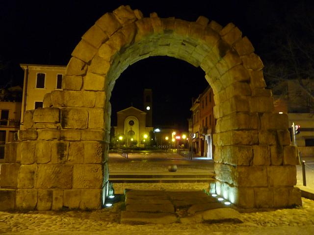 Montanara Gate