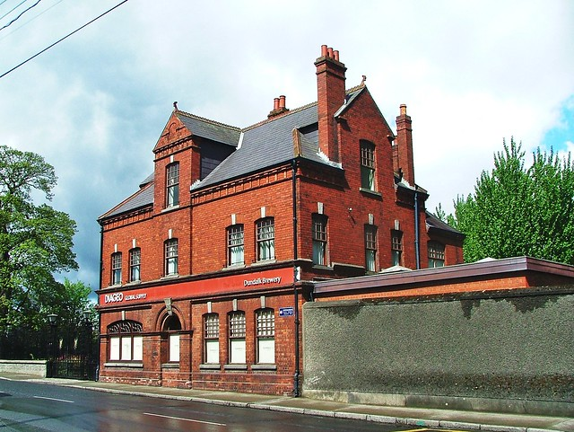 Dundalk- Dominic's Place- Great Northern Brewery (Diageo) c.1897- DSCF1554