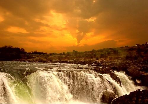 sunset river soe narmada madhyapradesh ndia bhedaghat ncredible 100commentgroup dhuadharwaterfall