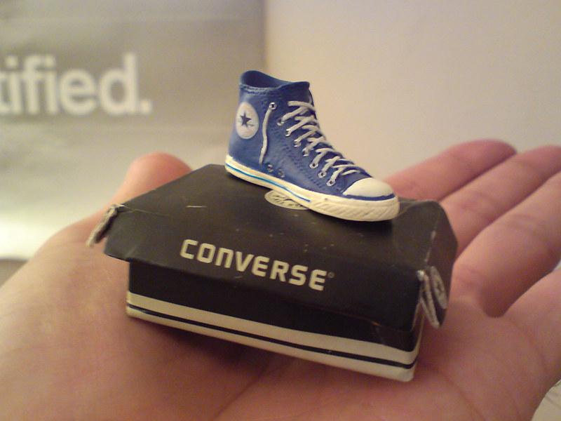 mini converse