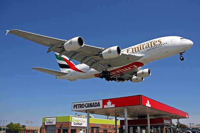 Emirates Airbus A380-861 A6-EDD YYZ 05-06-09