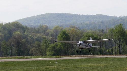 mountain club skydiving airport pa skydive skyhaven inc cessna parachute endless tunkhannock 182b n7102e