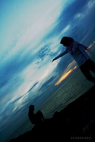 sea people silhouette sunrise couple hijab johor johore pontian colorphotoaward expressyourselfaward