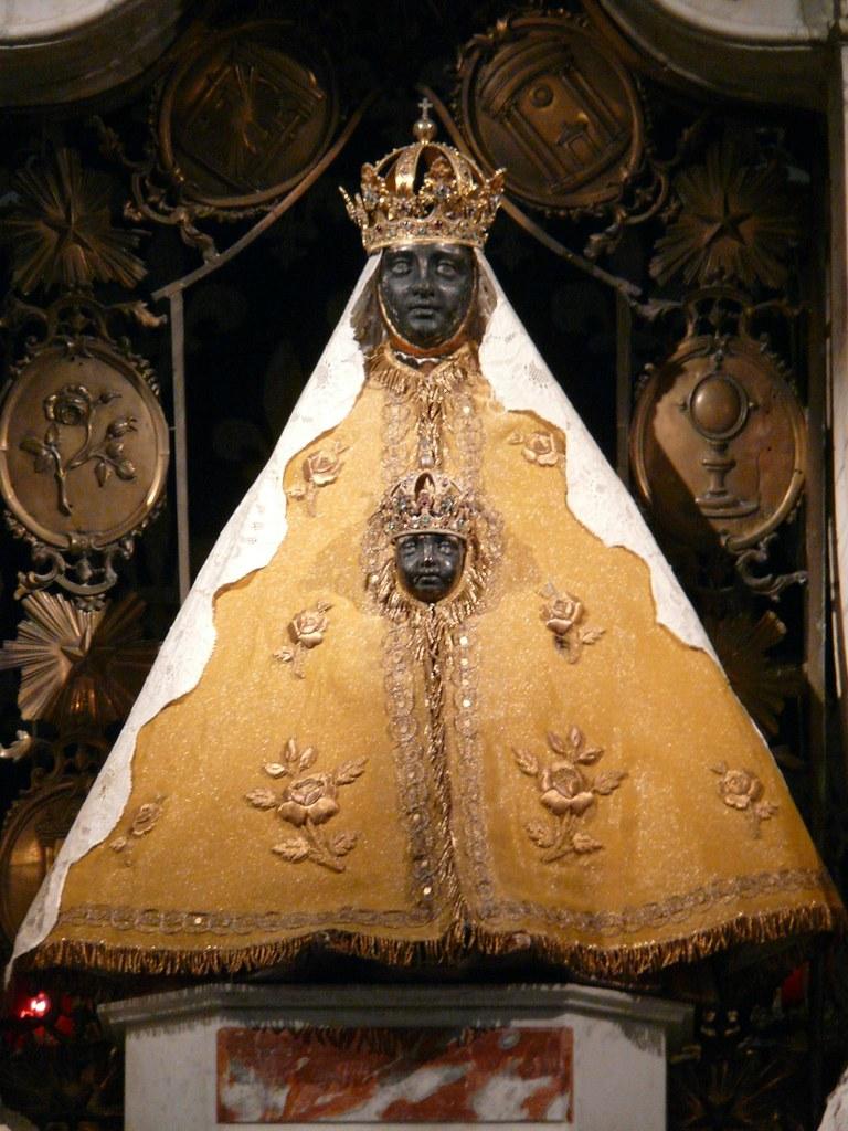Vierge Noire De La Cathedrale Notre Dame Au Puy En Velay